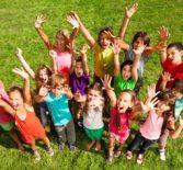 Объявляется приём заявлений и документов для выдачи бесплатных направлений  в муниципальные загородные оздоровительные центры  для детей из семей, находящихся в трудной жизненной ситуации.